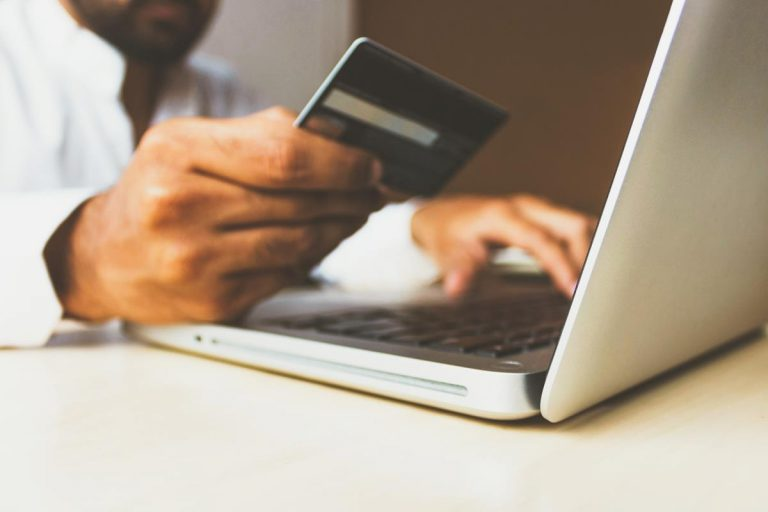 Jakie korzyści daje handel internetowy?