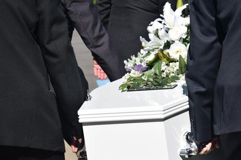 Usługi transportu zmarłych – co warto o nich wiedzieć?