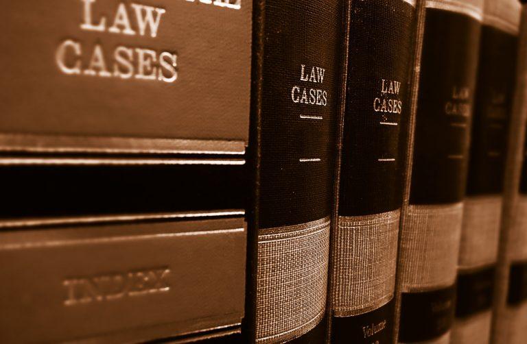 Pomoc prawna dla firm dotkniętych koronakryzysem. Gdzie można ją uzyskać?